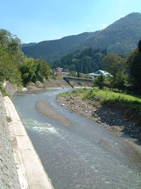 鈴鹿山中・大君ヶ畑集落を流れる犬上川(北流)